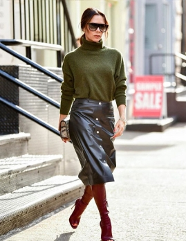 victoria-beckham-leather-skirt-e1577650328782.jpg